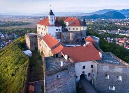 Над Мукачівським замком можна буде політати на повітряній кулі