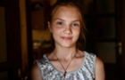 Президент Зеленський нагородив медаллю 12-річну дівчинку із Закарпаття, яка врятувала 4-х дітей