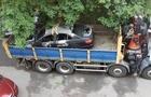 Спалений автомобіль екс-заступника мера Ужгорода швидко евакуювали (ФОТО)