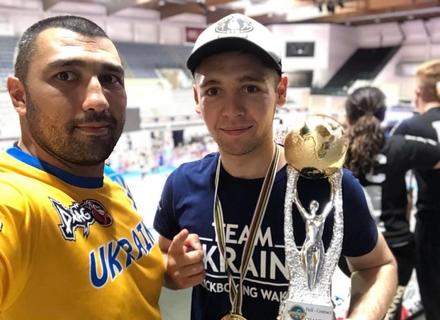 Історична перемога: Ужгородець в Італії на Кубку світу з кікбоксингу у фіналі переміг росіянина