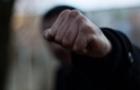 В Ужгороді троє юнаків побили та пограбували чоловіка