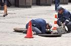 В Ужгороді люди часто падають у відкриті каналізаційні шахти (ВІДЕО)