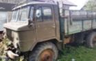На Свалявщині вантажівка все трощила на своєму шляху. Водій напав на поліцейських, які його переслідували