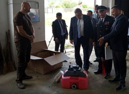 Чехи подарували закарпатським рятувальникам насоси, і допомогли відремонтувати школу в Хусті