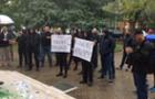 В Ужгороді відбувається акція проти суддів, які випускають під заставу наркозлочинців
