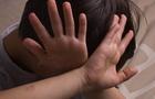 У Мукачеві батько сильно побив маленького сина
