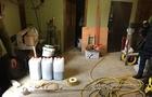 В Ужгороді та районі силовики провели шість обшуків з виявлення контрафактного алкоголю. Знайдено нелегальний склад