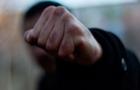 Нічний Ужгород: Чоловік нокаутував жінку кількома ударами в щелепу (ВІДЕО)