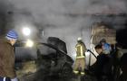 На Виноградівщині автомобіль загорівся в гаражі і вогонь ледь не перекинувся на житловий будинок