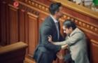 Куратор Закарпаття від партії влади спочатку затіяв бійку в парламенті, а потім помолився за здоров'я опонента