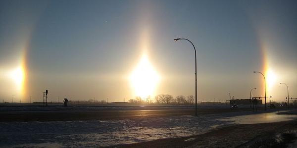 800px-Fargo_Sundogs_2_18_09