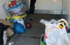 В Ужгороді у благодійників злодії викрали одяг, який збирали для сиріт
