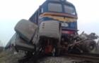 Внаслідок зіткнення потягу та вантажівки у Тячеві загинуло двоє людей