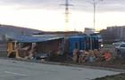 У Мукачеві перевернулася вантажівка з товаром (ФОТО)