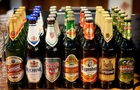 Закарпатські митники забрали від українця 100 літрів чеського пива
