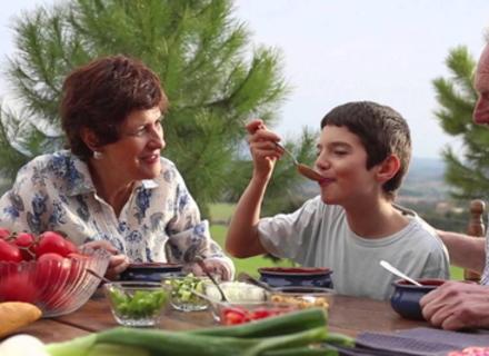 Класичний рецепт гаспачо - освіжаючого супу з простих інгредієнтів