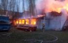 На Виноградівщині згорів меблевий цех