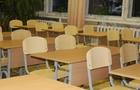 Прокуратура погодила підозру підприємцю та керівнику однієї зі шкіл Ужгорода через аферу зі шкільними партами