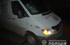 На Тячівщині п'яний молодий чоловік скочив під колеса мікроавтобуса і загинув