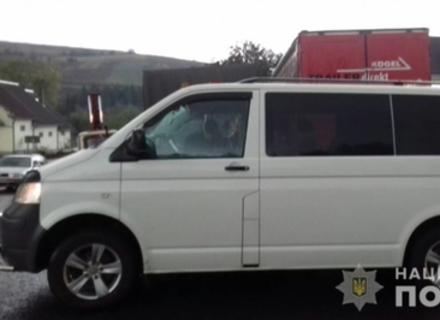 Мешканець Рівненщини, який викрав мікроавтобус на Закарпатті, сяде до в'язниці на 6 років