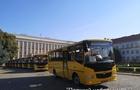 Закарпатські школи отримали 16 автобусів