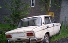 На Хустщині автомобіль врізався в газопровід і ціла вулиця залишилася без газопостачання