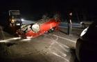 На об'їзній дорозі Ужгорода автомобіль перекинувся на дах. Постраждала жінка (ФОТО)