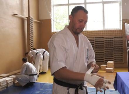 Мукачівський тренер з карате встановив рекорд України
