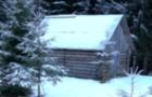 Лісівники розповіли подробиці рятування лижника та показали будиночок лісівників, який зберіг хлопцю життя