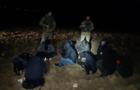 Спецоперація прикордонників на Закарпатті: Затримано 10 нелегалів та двох переправників