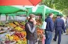На Закарпатті торговці перекривають дороги, щоб не закривали ринки