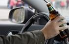 На Берегівщині п'яний чоловік на чужому автомобілі врізався в стовп