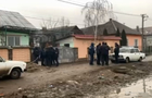 В Ужгороді силовики провели облаву в циганському таборі (ВІДЕО)