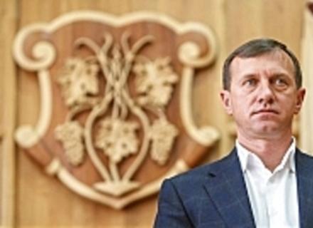 Чи загрожує меру Ужгорода відставка і хто захоплює в місті владу