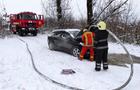 У Хусті на ходу загорівся автомобіль, у якому була вагітна жінка та діти