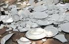 На Рахівщині працівники ресторану пішли в ресторан конкурентів і все там розтрощили та помочилися у склянки (ВІДЕО)
