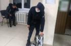 Малолітнього ужгородця застали на крадіжці зливних решіток