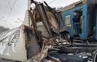 Потяг з Лисичанська прибуде з великим запізненням, бо потрапив у масштабну аварію, - розтрощив  вантажівку (ФОТО)