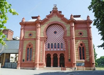 Як змінювалася ужгородська синагога: Від зірки Давида до Леніна на фасаді
