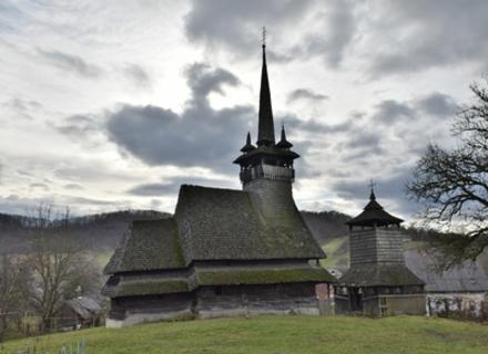 На Закарпатті взялися за реставрацію древніх дерев'яних храмів