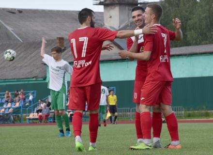 ФК Хуст знову виходить на перше місце у обласному чемпіонаті