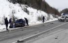 На Воловеччині на трасі Київ-Чоп зіткнулися два легкові автомобілі, є постраждалі