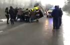 На Тячівщині у ДТП авто перекинулося на дах