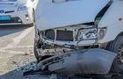 Лобове зіткнення вантажівки та мікроавтобуса сталося на Мукачівщині