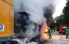 На Закарпатті на ходу загорілася вантажівка з цементом