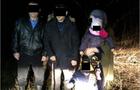 На Закарпатті прикордонники затримали нелегалів із маленькими дітьми