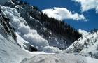 На кордоні Закарпатської та Івано-Франківської областей туристи з Києва потрапили під лавину