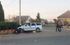 На Виноградівщині автомобіль врізався в бетонний обмежувач: водій загинув