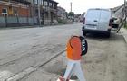 У Виноградові вандали ламають фігурки школярів на пішохідному переході (ВІДЕО)