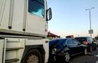 Біля Ужгорода потрійна ДТП за участі вантажівки та двох легкових автомобілів (ФОТО)